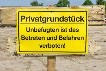 Betreten Verboten Schild auf einer Baustelle