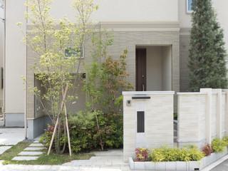 住宅 玄関 外構 植栽 エクステリア アプローチ 新築住宅 施工例
