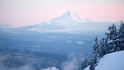 Wall Mural - Mt Jefferson Three Sisters North Cascades Oregon Mountain Range