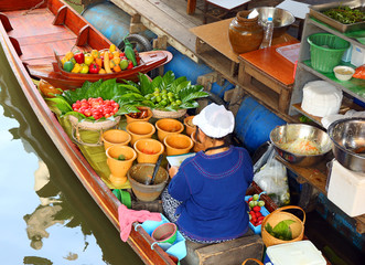 Cuisine on the boat in Bangkok