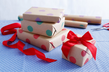 Gift wrapping and packing