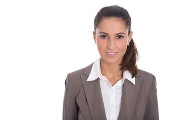 Bewerbungsfoto. Junge Frau mit Bluse und Blazer in weiß braun freigestellt.