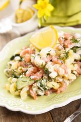 Pasta salad with lemon and prawns