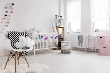 White and ink bedroom for baby
