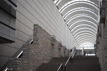 アーチ構造の建物