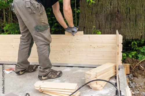 construire un chalet en bois photo libre de droits sur la banque d 39 images image. Black Bedroom Furniture Sets. Home Design Ideas