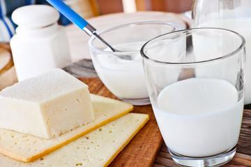 Foto auf AluDibond Milchprodukt Milch - Käse - Joghurt - Quark