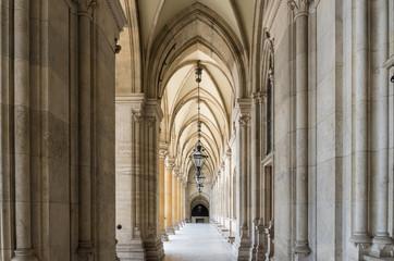Bogengang im Rathaus in Wien