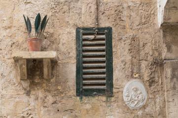 Still life on the wall, Malta