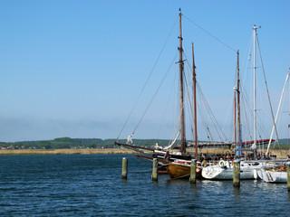 Schiffe im Hafen von Gager am Greifswalder Bodden Insel Rügen