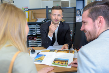 customers with estate agent