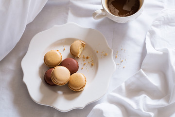 Macaron in Bed