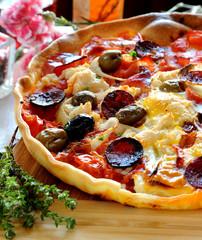 Pizza gourmande au chorizo
