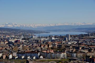 Schweiz: Panorama der Stadt Zürich vom Swiss Prime Tower