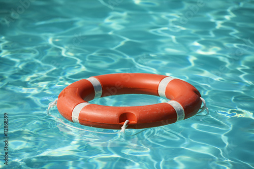 Lifesaver Floating On Water In Swimming Pool Photo Libre De Droits Sur La Banque D 39 Images