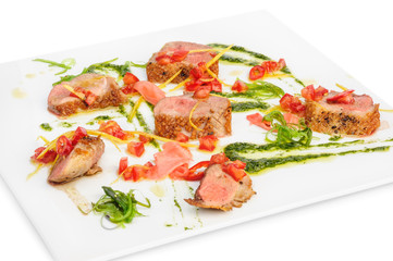 veal medallions with pesto sauce