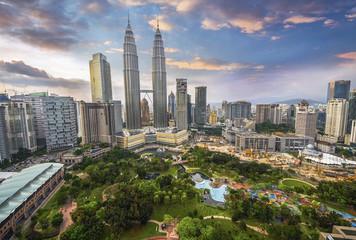 Fototapete - Kuala Lumpur, Malaysia city skyline.