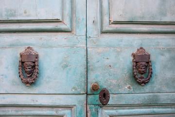Cerca immagini battacchio - Batacchio porta ...