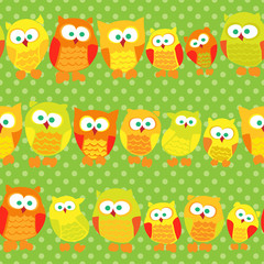 Seamless pattern with cute owls on green dotted background.