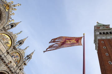 Campanile and Basilica San Marco, St. Mark's Square, with Venetian flag, Venice, UNESCO World Heritage Site, Veneto, Italy, Europe