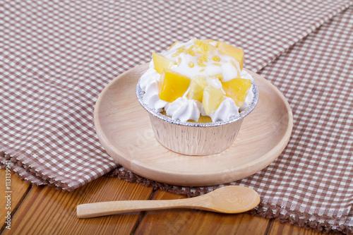 "mango cupcake with coconut milk"" Arkivfoton och royaltyfria bilder ..."