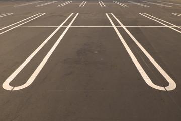 駐車場の白線