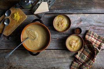 Caramelized kohlrabi soup with lemon and parmesan