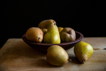 Bartlett pears in a bowl