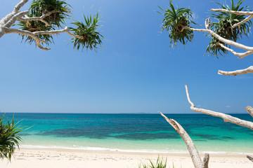 沖縄のビーチ・浜比嘉島の穴場ビーチ