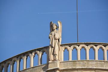 estatua de piedra en la Catedral de Burgos
