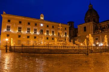 Fototapete - Palermo, Sicily, Italy: Piazza Pretoria