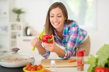 Autocollant pour porte Cuisine Woman In Kitchen