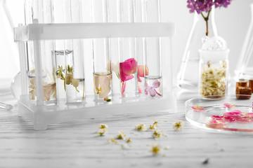 Process of making perfumes Fototapete