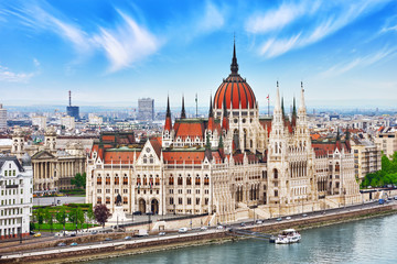 Tuinposter Boedapest Hungarian Parliament at daytime. Budapest. View from Old Fisherm