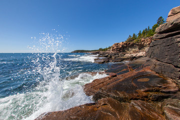 Aluminium Prints Sea Waves crashing along the coast of Acadia National Park in Maine