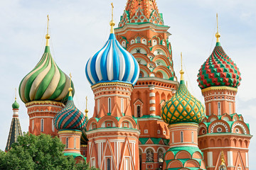 Fototapete - St. Basil cathedral on Red Square in Moscow, Russia