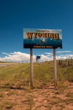 Wyoming sign road