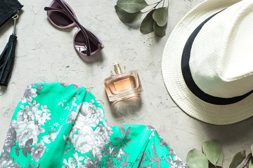 feminine summer look: dress, sunglasses, hat and shoes
