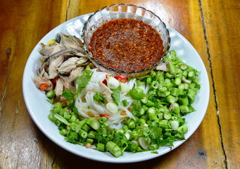 rice noodle mackerel salad with spicy and sour sauce