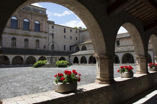 Abbadia di Chiaravalle di Fiastra, Marche