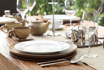 outdoor table place setting