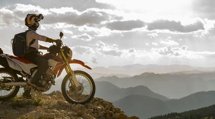 motorsiklet ile hedef başarısı