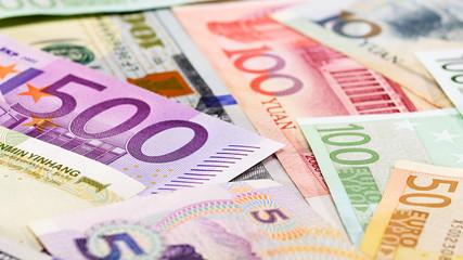 Main word currency Yuan, US Dollar and Euro bank notes