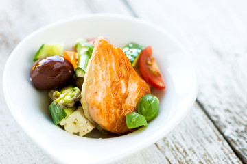 Crispy baked salmon with delicious vegetable