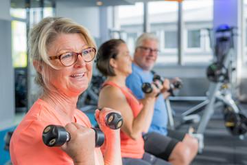 fitness mit leichthanteln