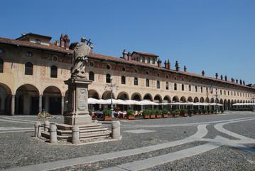 Fototapete - Vigevano - Piazza Ducale