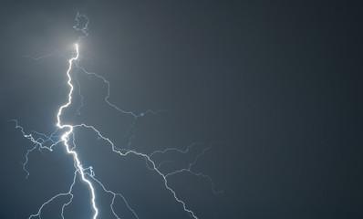 Big storm bringing thunder, lightnings and rain