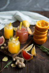 Fresh grapefruit and orange juices