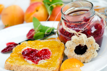 bilder und videos suchen: marmeladenbrot, Einladung