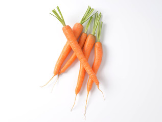 whole fresh carrots